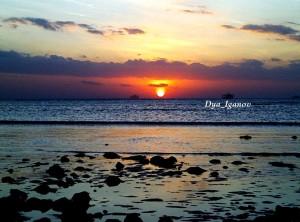 sunset-pantai-lasiana
